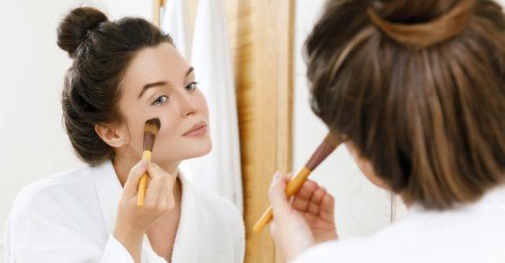 #Flawless: najbolji make-up za kožu sklonu aknama