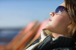 Winter sun exposure: tanning safely on vacation