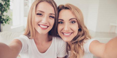 Kako pravilno nanošenje pudera na kožu sklonu aknama može vratiti samopouzdanje Vašoj ćerki?
