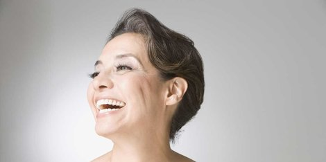 Zašto počinjem da primećujem dlake na određenim delovima lica u menopauzi?