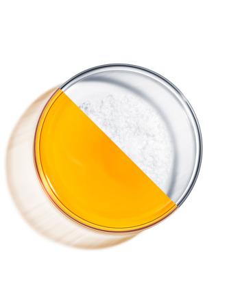 Da li treba da upotrebljavate vitamin C i hijaluronsku kiselinu zajedno?