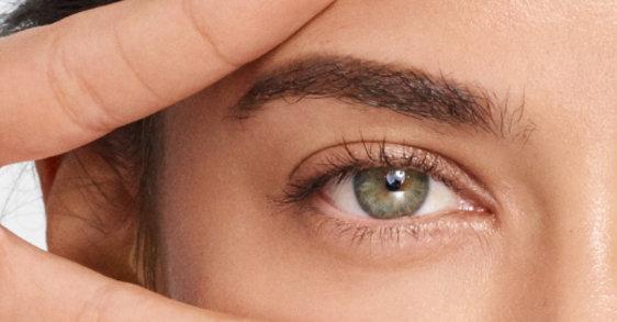 Kako odabrati odgovarajuću negu za područje oko očiju u danima kada su nam oči u centru pažnje?