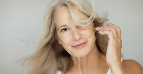 Naleti vrućine u menopauzi: uzroci, simptomi i kako se nositi sa njima?